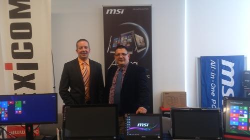 Az MSI standja a cég hazai képviselőivel (Aradi Gábor és Bordás Áron)