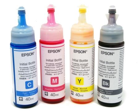 A kezdőcsomagban 40 milliliteres tintát találunk, az utántöltéshez vásárolható kiszerelés 70 milliliteres