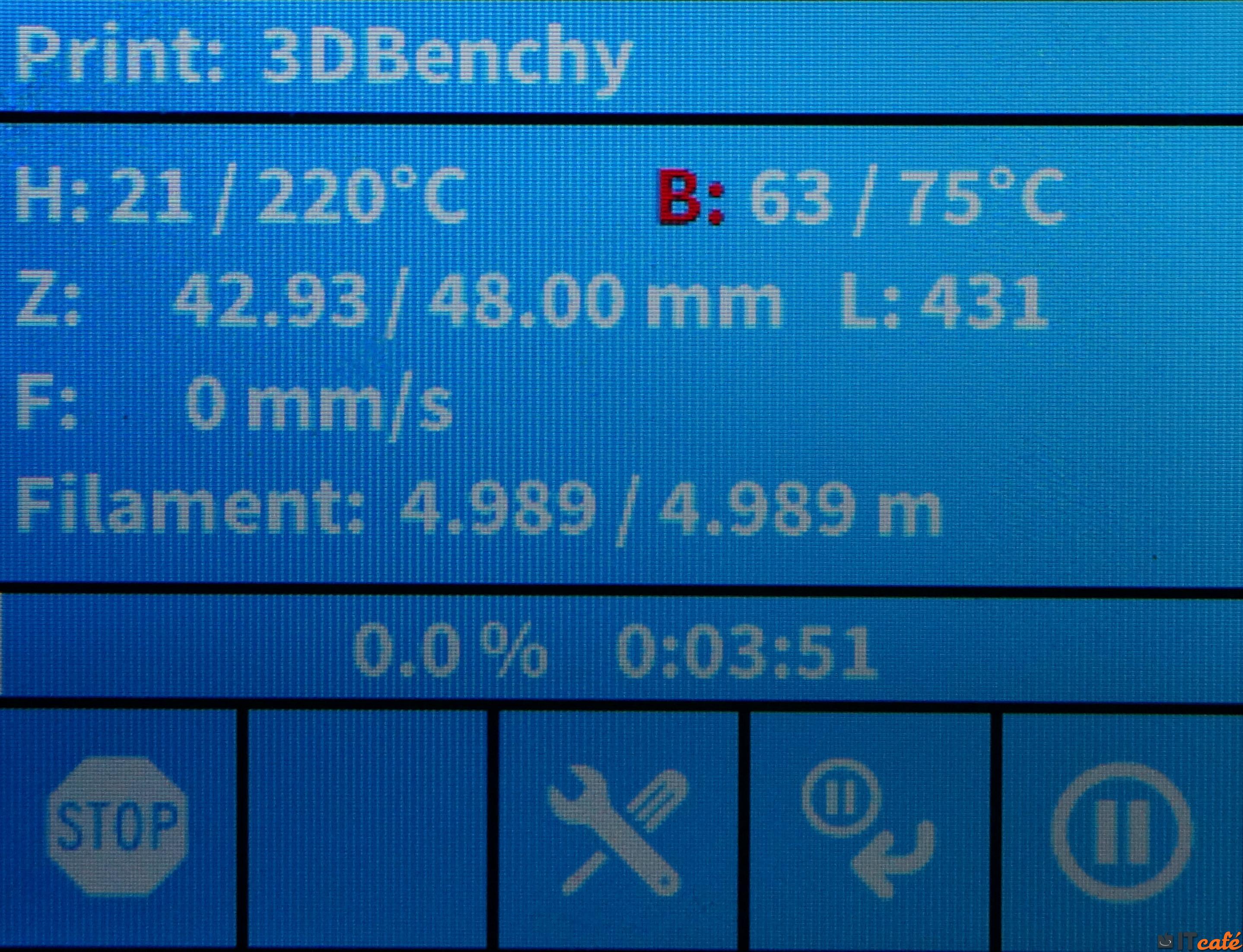 f591aa5472 ... a Hotend és a tálca hőmérséklete, a sebesség (a szeletőben  meghatározotthoz képesti szorzata), az anyaghasználat (százalékban), a gép  és a kijelző ...