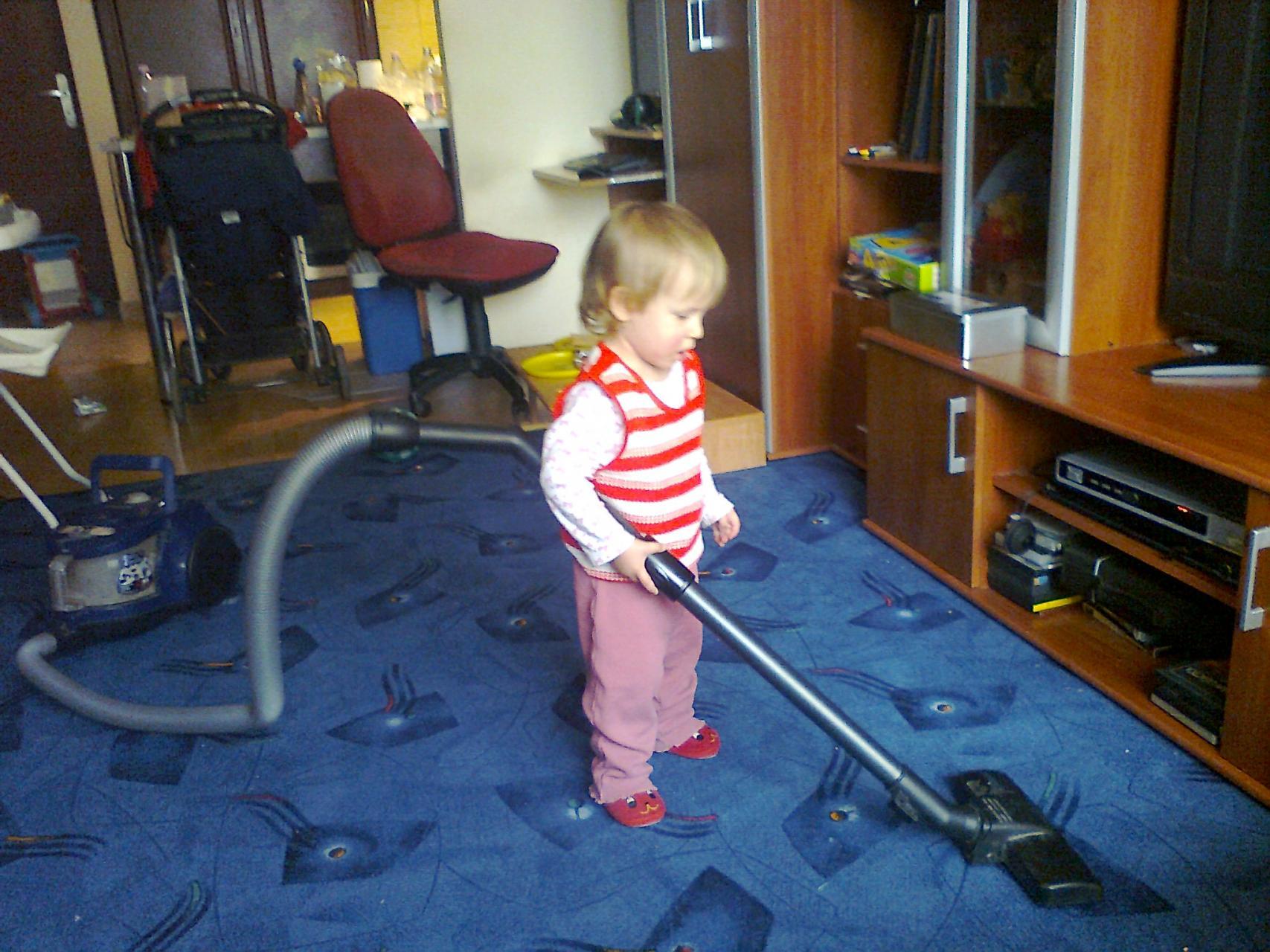 Gyerekmunkáért nehogy elvegyék tőlem a kiscsajt. :)