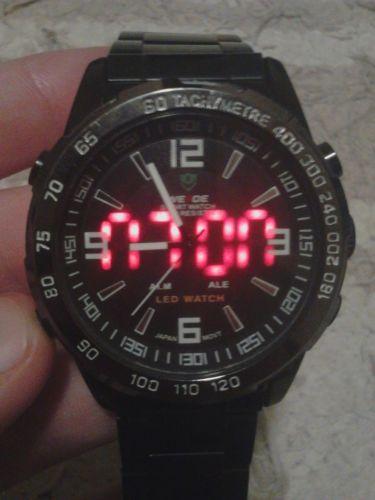durva kinézetű órák