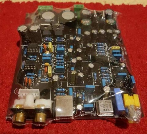 Sziasztok.Kérdezném hogy ehhez a Dual WM8740-es DAC-hoz csak egy megfelelő  táp kell és már működik is vagy feltétlen be kell építeni egy házba  d69cbe1ee3